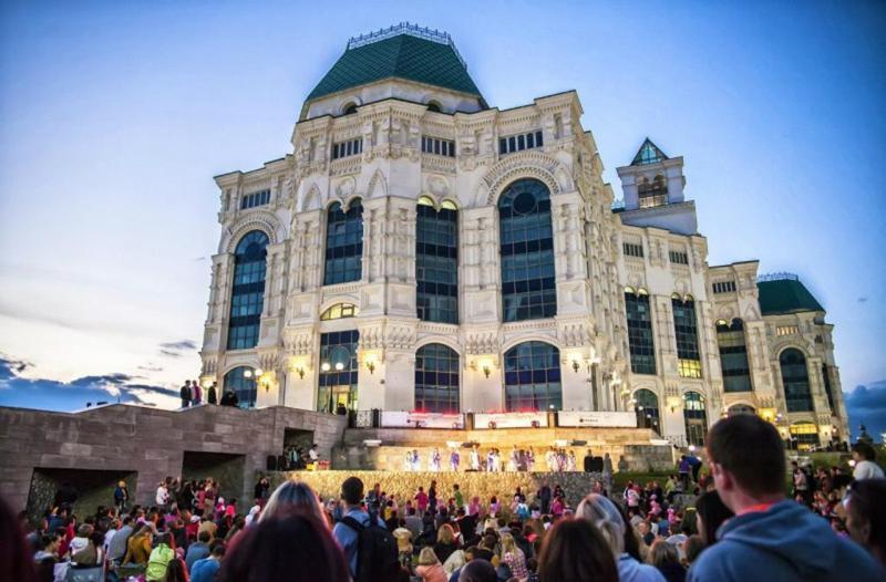 Астраханский театр оперы и балета, музыка на траве