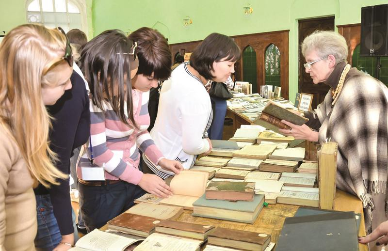 Библиотека Крупской, Крупская, Зоя Маломётова, книги, старинные издания,