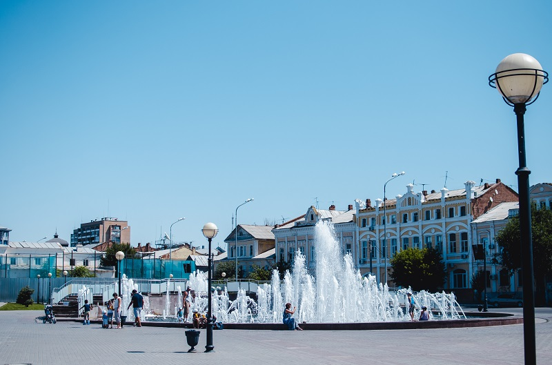 Петровский фонтан в Астраахани